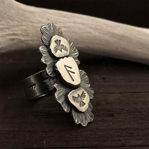 raven rune ring oak leaf huginn and muninn the wicked griffin